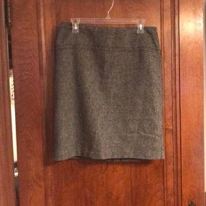 Gray work skirt with tweed-ish pattern